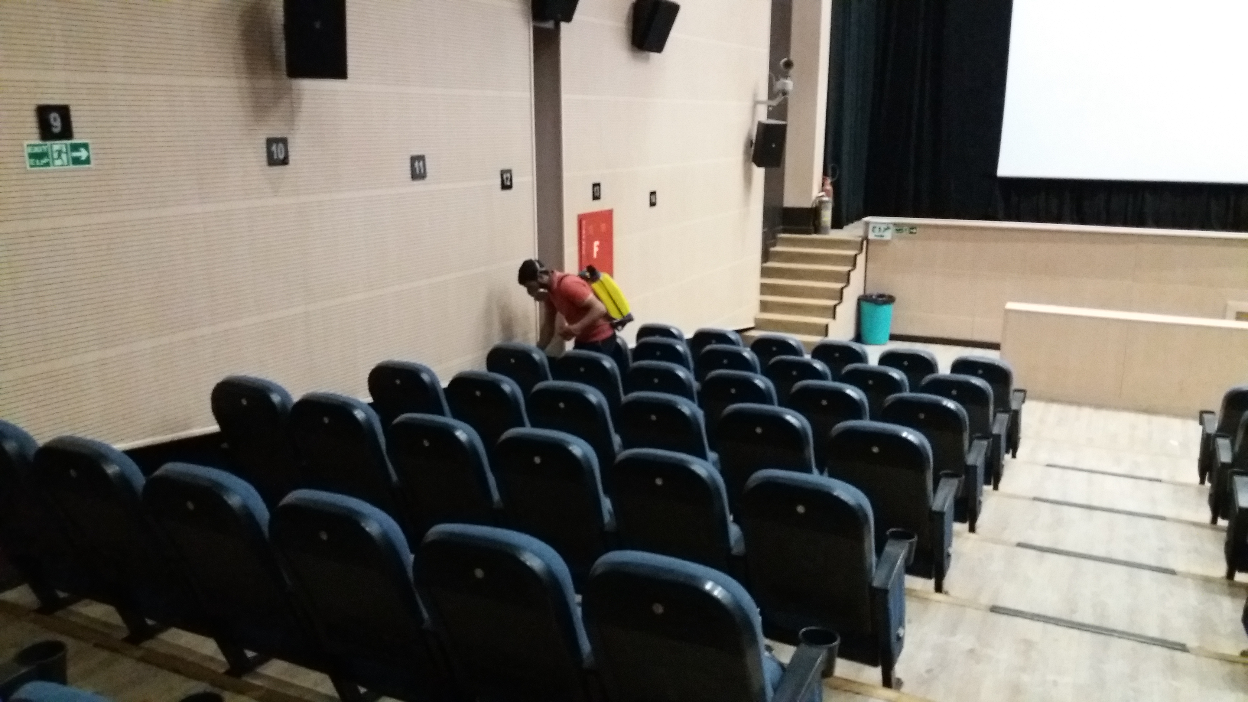 سمپاشی سینما در تهران،سمپاشی در تهران،سمپاشی منزل